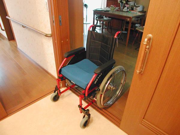 車椅子で行くのが楽しみになるトイレリフォーム