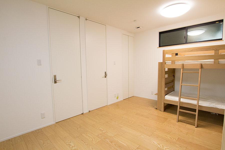開放的なリビングのお家 子供部屋2