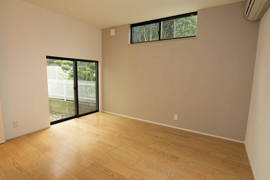 開放的なリビングのお家 洋室2