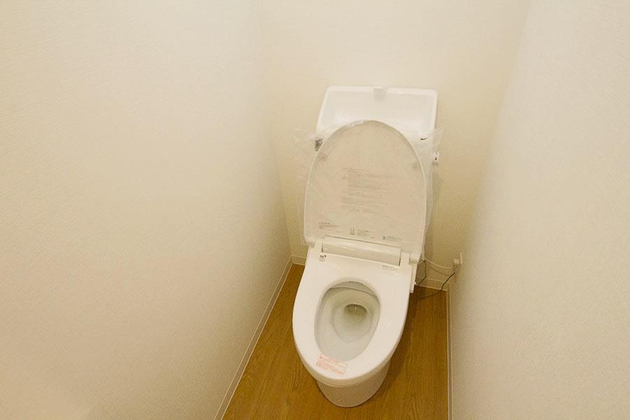 開放的なリビングのお家 トイレ