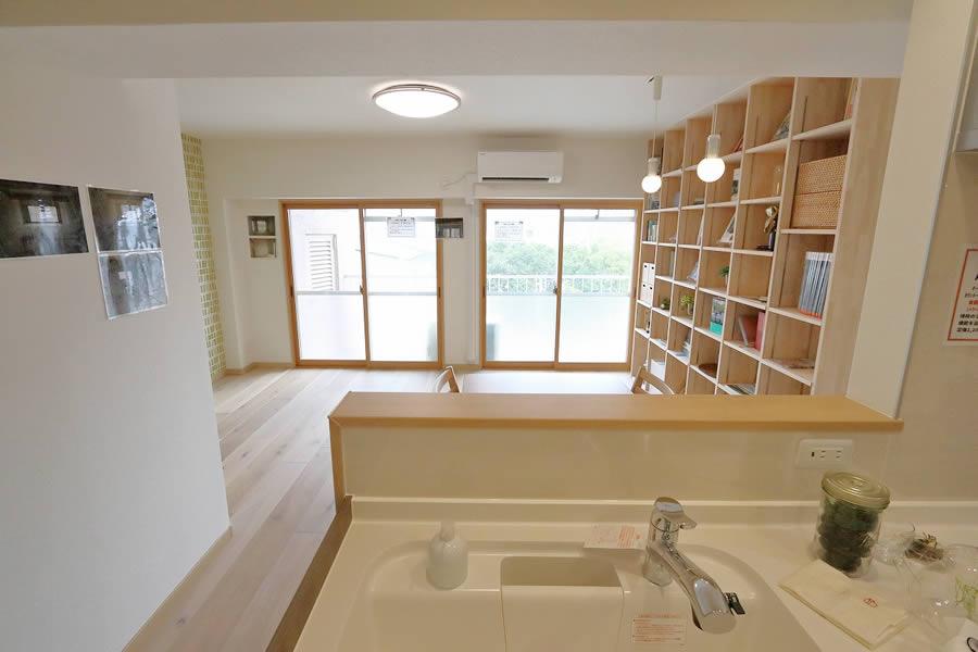 本と暮らす家 キッチン1